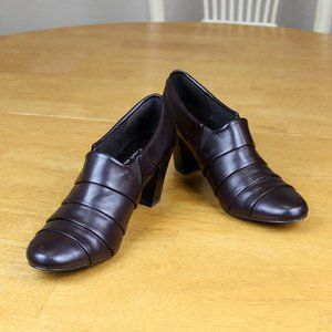 Coach and Four Belinda Brown Booties size 8